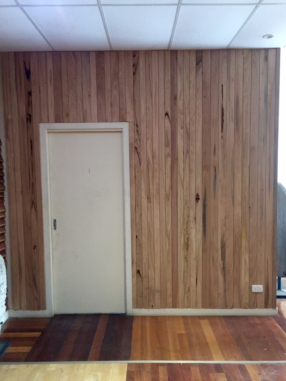 Feature Grade Timber Wall